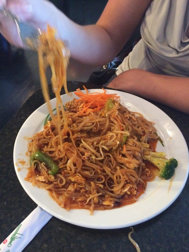 Pad thai noodles w chicken yelp for Ayutthaya thai cuisine bar
