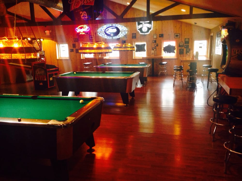 Ixonia Pub: W1270 Marietta Ave, Ixonia, WI