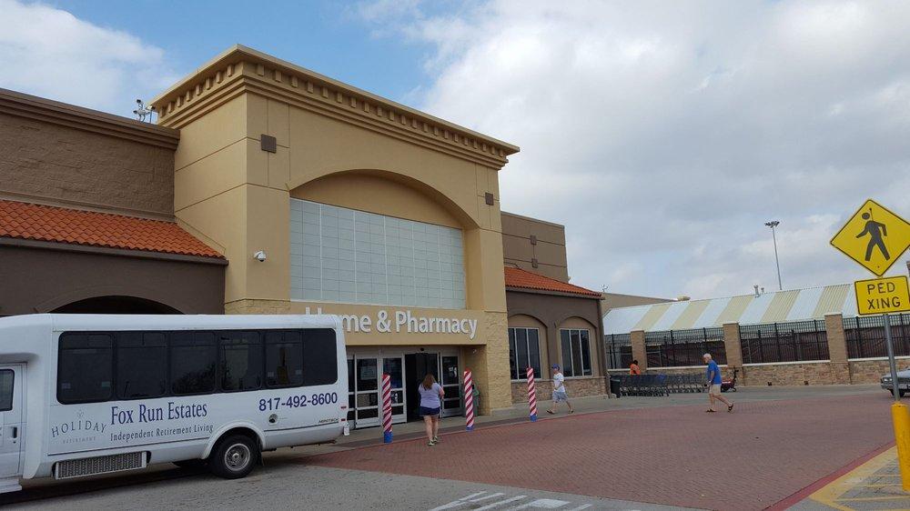 Walmart Supercenter: 4800 US 287 Hwy, Arlington, TX