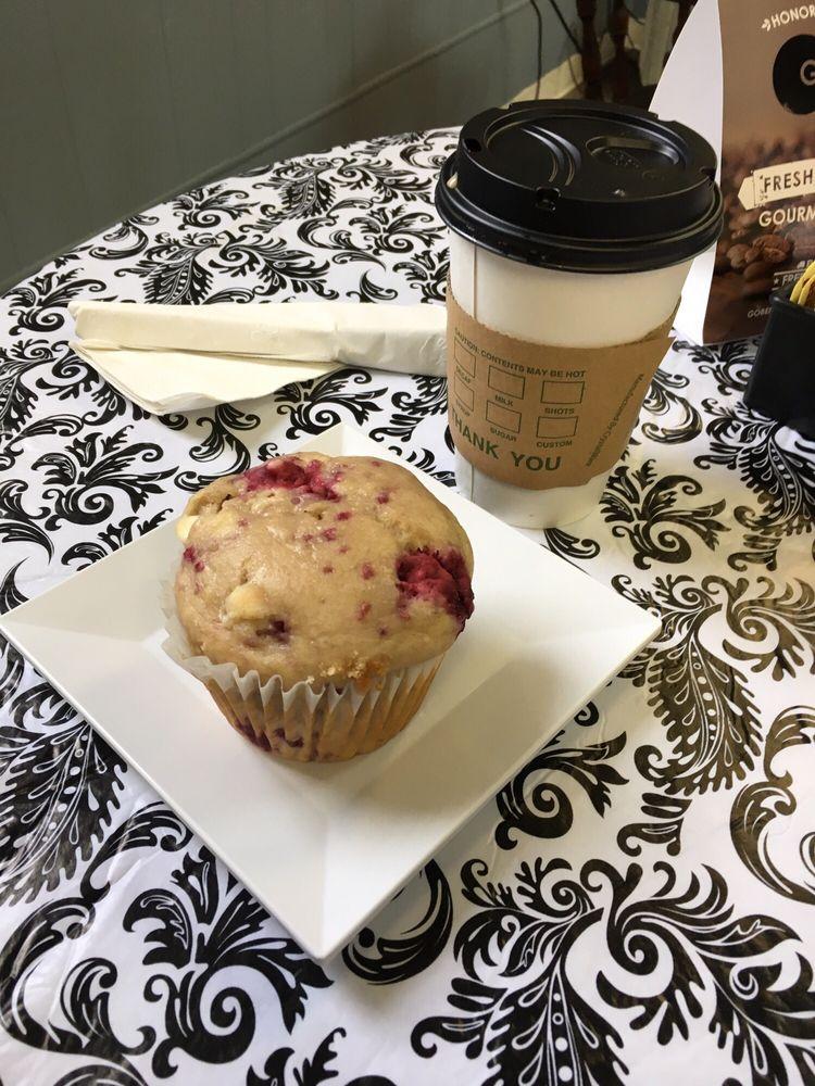 Java Café: 52 N Elm St, El Paso, IL