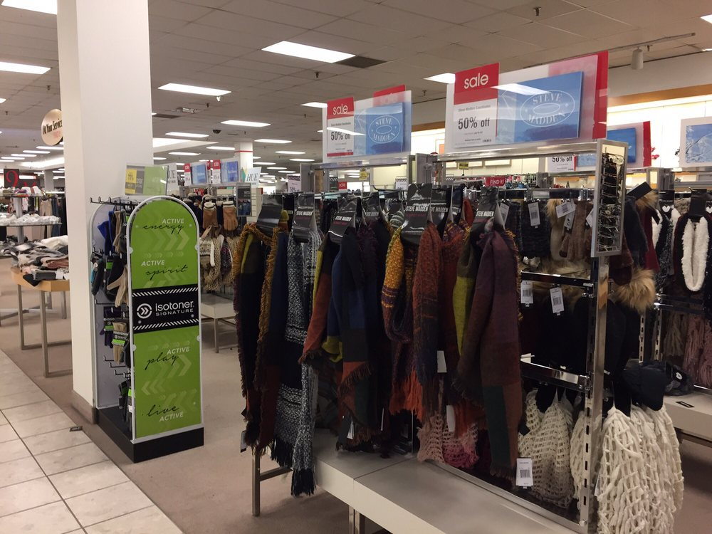 Phone number () Business website abpclan.gq; Send to your Phone. Shopping Department Stores Shopping Fashion Department Stores Shopping Fashion Shoe Stores Shopping Fashion Women's Clothing. Photo of Boston Store - Racine, WI, United States/5(2).
