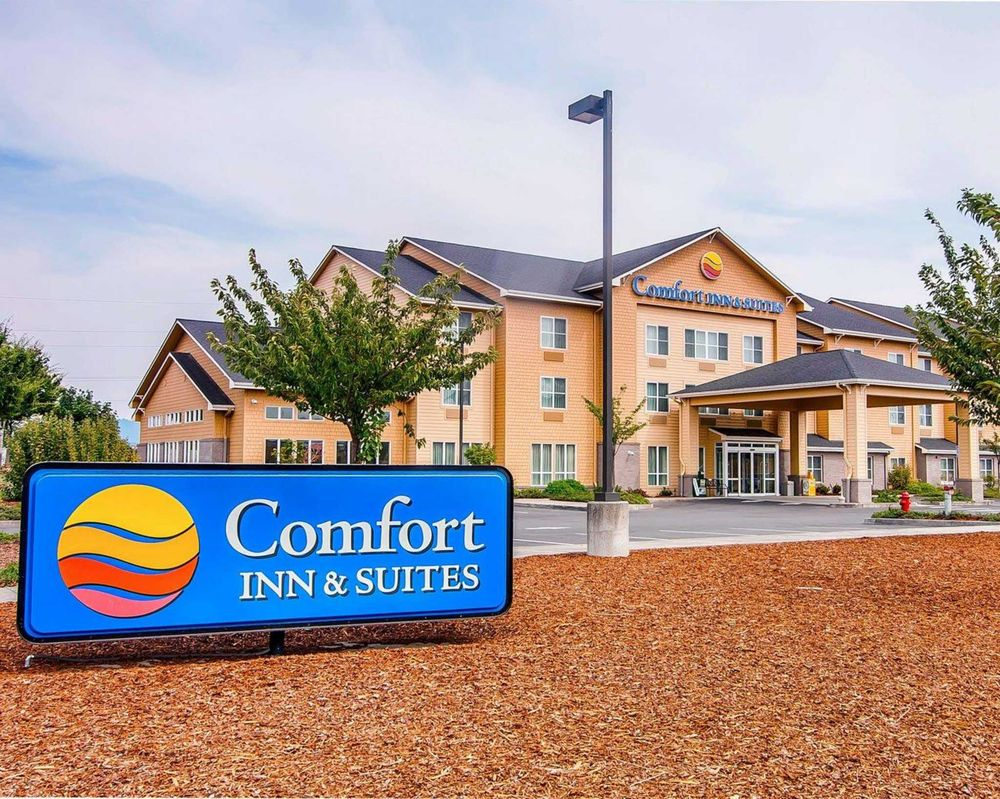 Comfort Inn & Suites: 247 Melton Rd, Creswell, OR