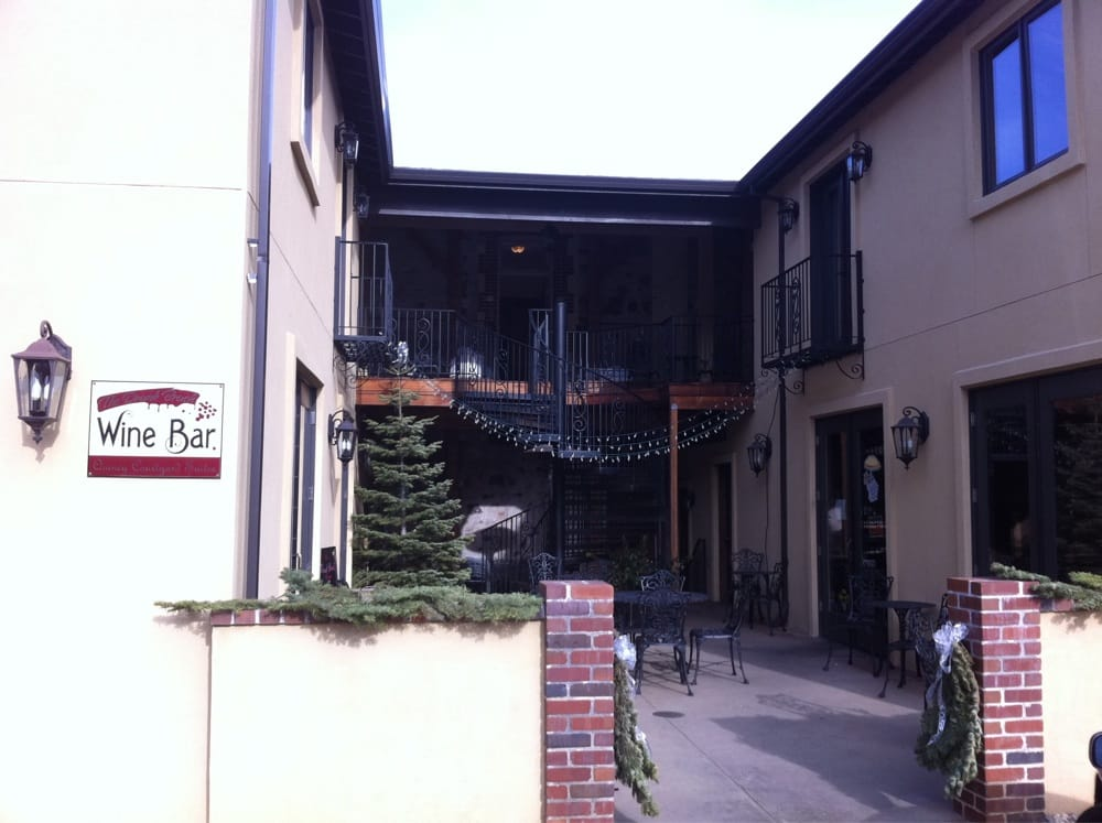 Quincy Courtyard Suites: 432 Main St, Quincy, CA