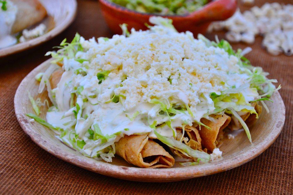 Cielito lindo Mexican restaurant: 415 S Main St, Dawson, GA