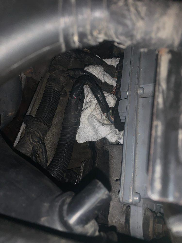 Lambert's Auto Repair & Muffler: 6624 US Hwy 61-67, Imperial, MO