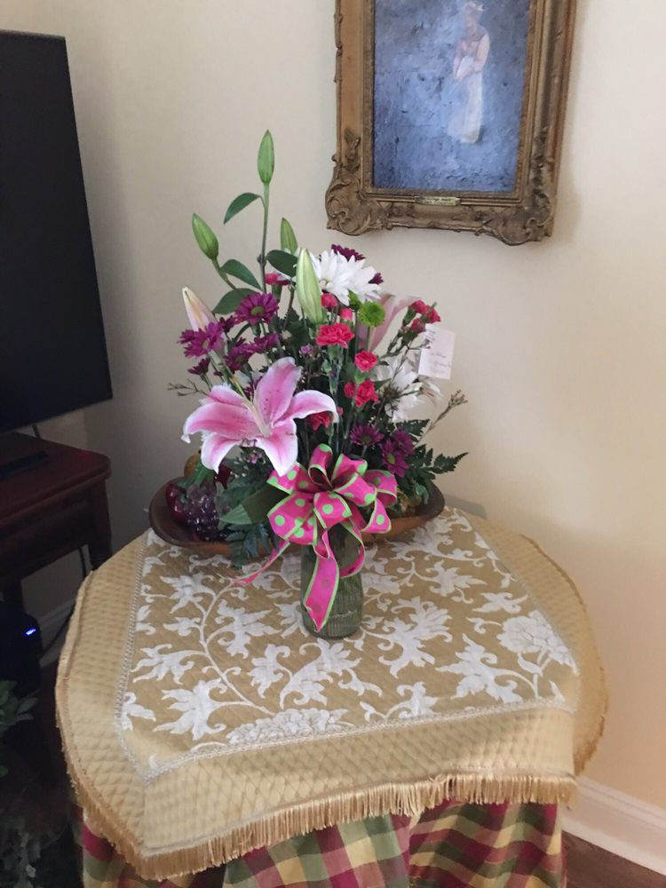 Boiling Springs Florist: 207 S Main St, Shelby, NC