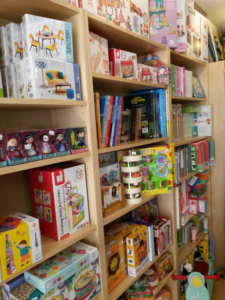 pirouettes magasin de jouets 17 rue montbazon saint. Black Bedroom Furniture Sets. Home Design Ideas