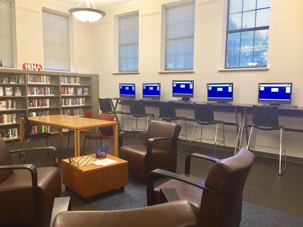 Louisville Free Public Library: 601 W Woodlawn Ave, Louisville, KY