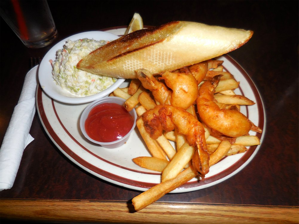 Buoy 9 Restaurant & Lounge: 996 Pacific Dr, Hammond, OR