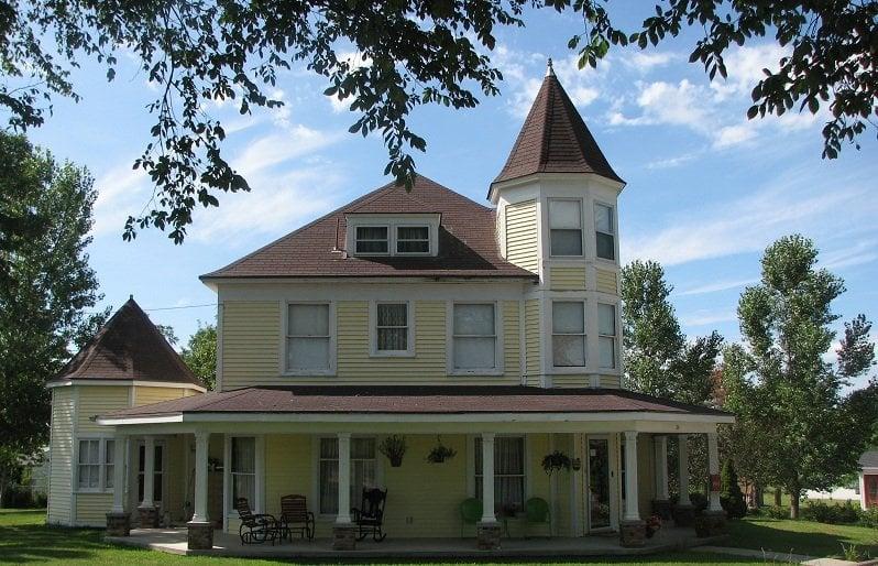 Crystal Key Inn: 314 S 4th St, Newman Grove, NE