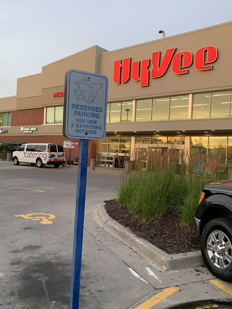 Hy-Vee Food & Drug Stores