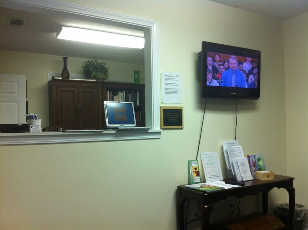 Hankison Family Chiropractic & Acupuncture: 1455 S Ferdon Blvd, Crestview, FL