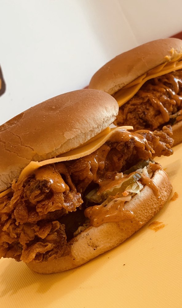 The Kluckin Chicken: 3747 Foothill Blvd, Glendale, CA