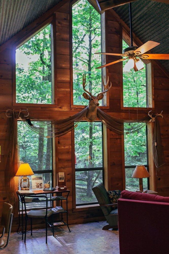 Lone Cedar Cabins: 1873 Lone Cedar Cabins Rd, Bismarck, AR