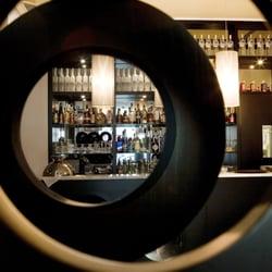Bar marfil cocktail bars hotel murmuri l 39 eixample for Bar marfil barcelona