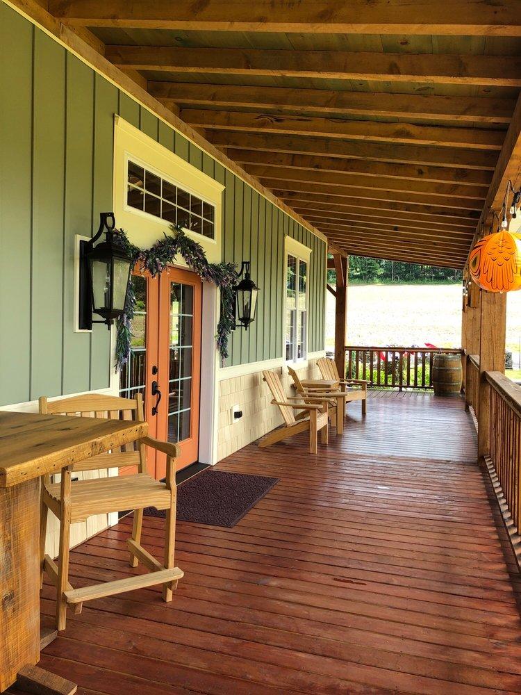 Setter Fields Vineyard: 1345 Mountain Rd, Shickshinny, PA