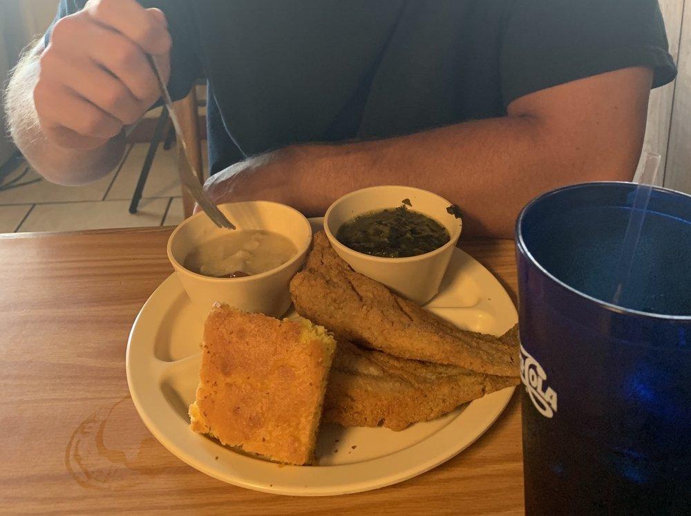 Anchor Cafe: 201 E Ashley St, Atmore, AL