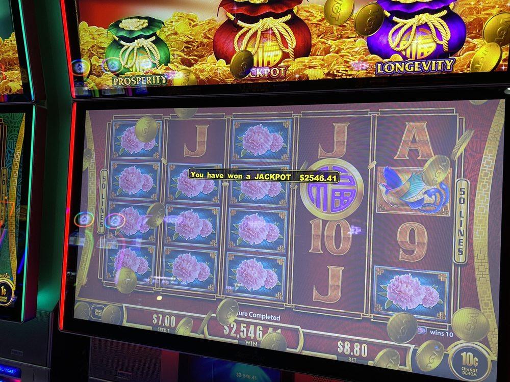 Outpost Casino: 69701 E 100th Rd, Wyandotte, OK