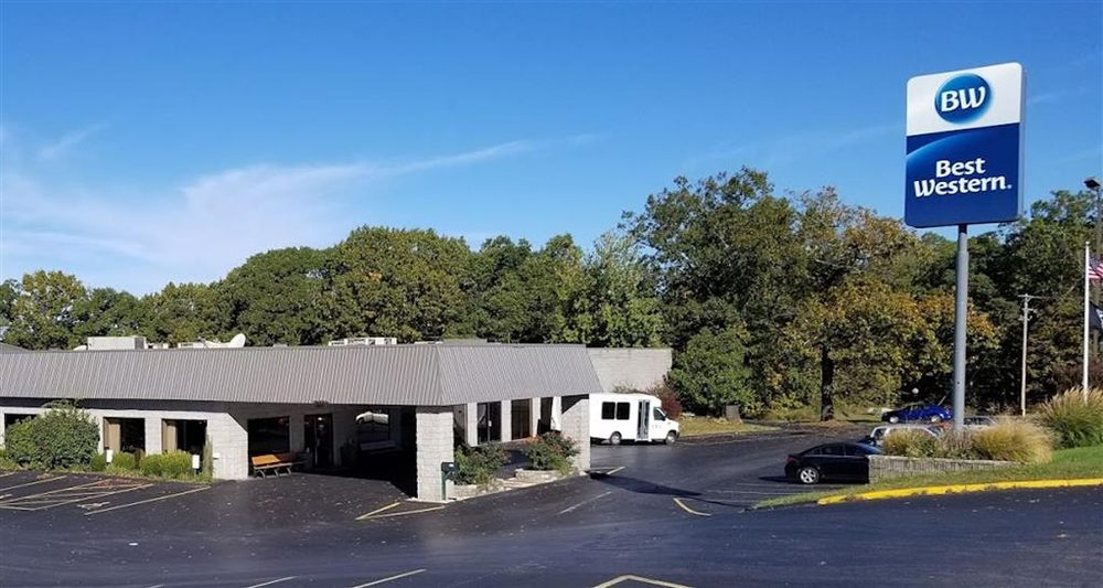 Best Western Branson Inn and Conference Center: 8514 E State Highway 76, Branson West, MO
