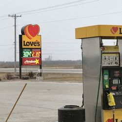 Love's Travel Stop - 10 Reviews - Gas Stations - 13477 Quality Dr, Roscoe, IL - Phone Number