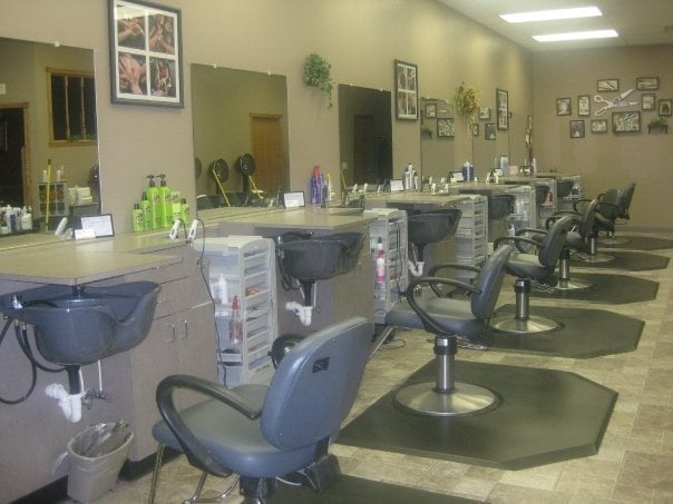 Salon 75 Hair & Spa: 626 S Kniss Ave, Luverne, MN