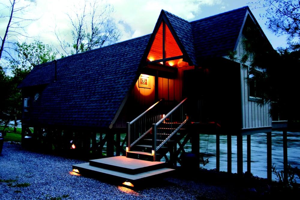 New River Retreat: 3054 Greenbriar Rd, Draper, VA
