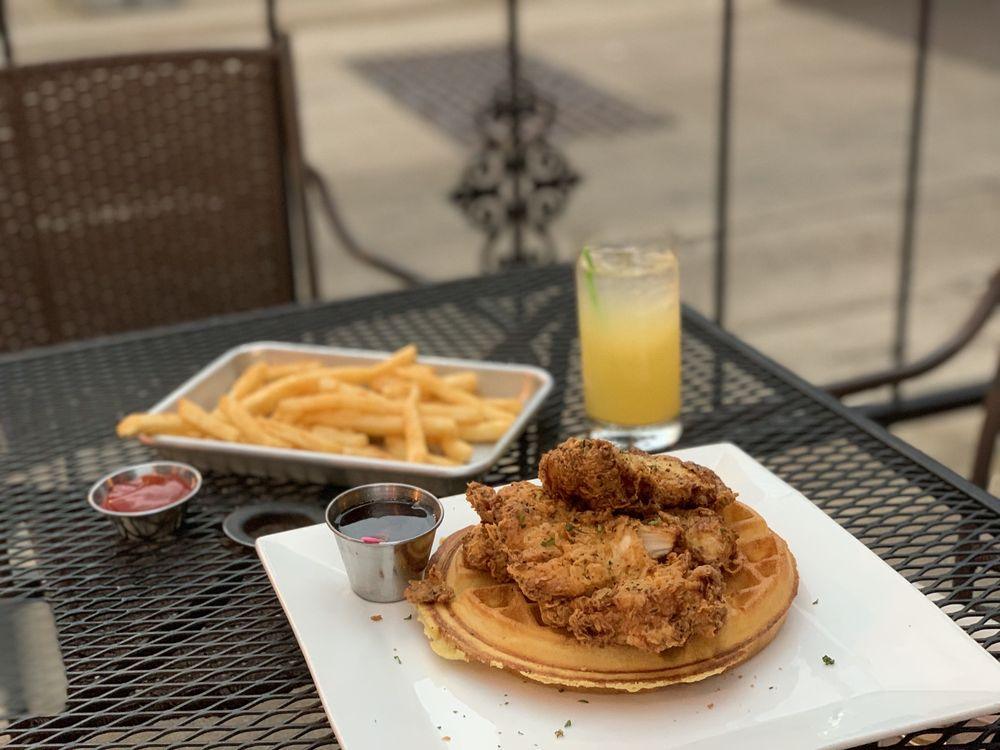 Civil Kitchen: 107 Park Central Square, Springfield, MO