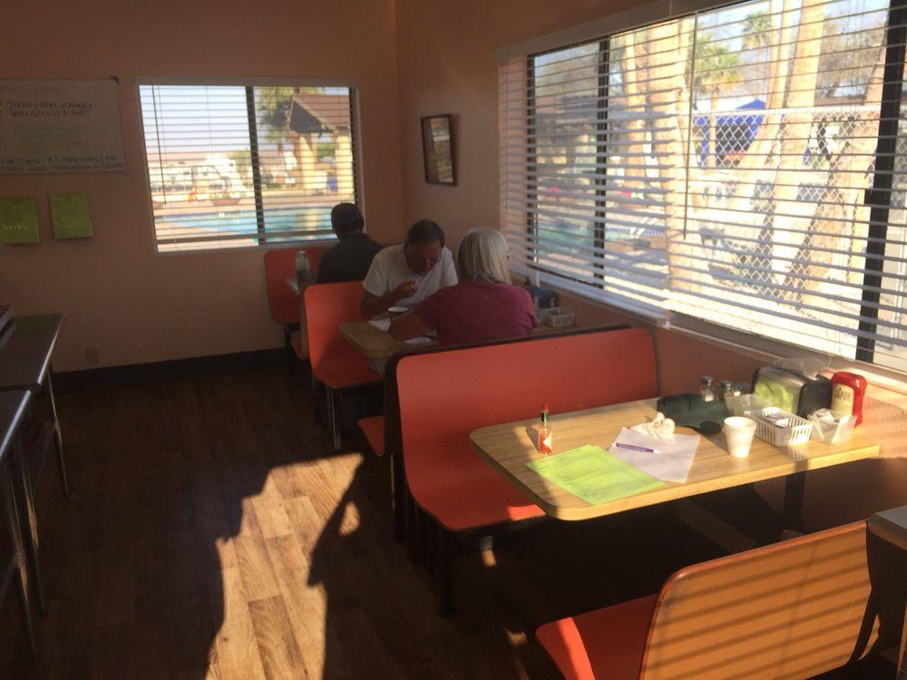Freddy's Fountain Cafe: 1500 Spa Rd, Niland, CA