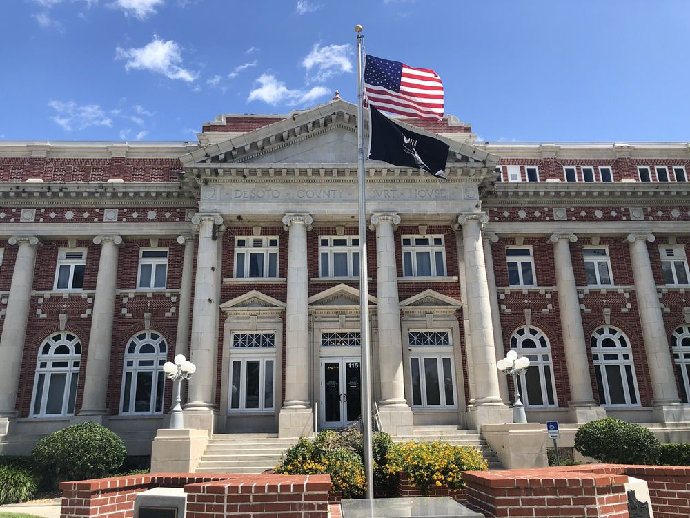 DeSoto County Courthouse: 115 E Oak St, Arcadia, FL