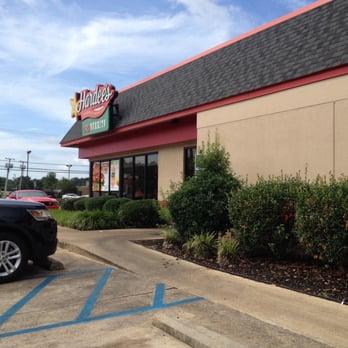Hardee S Burgers 1001 W Beacon St Philadelphia Ms Restaurant