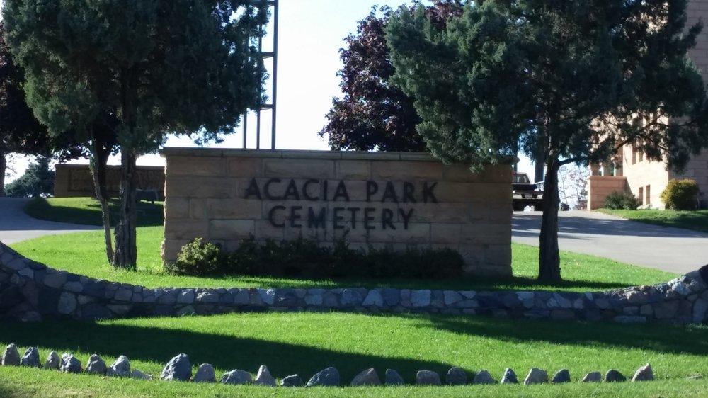 Acacia Park Cemetery: 2151 Pilot Knob Rd, Mendota Heights, MN