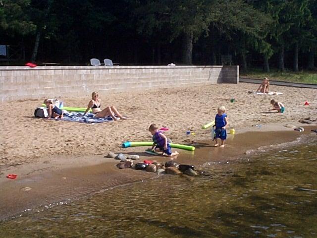 Black Pine Beach Resort: 10732 County Rd 16, Pequot Lakes, MN