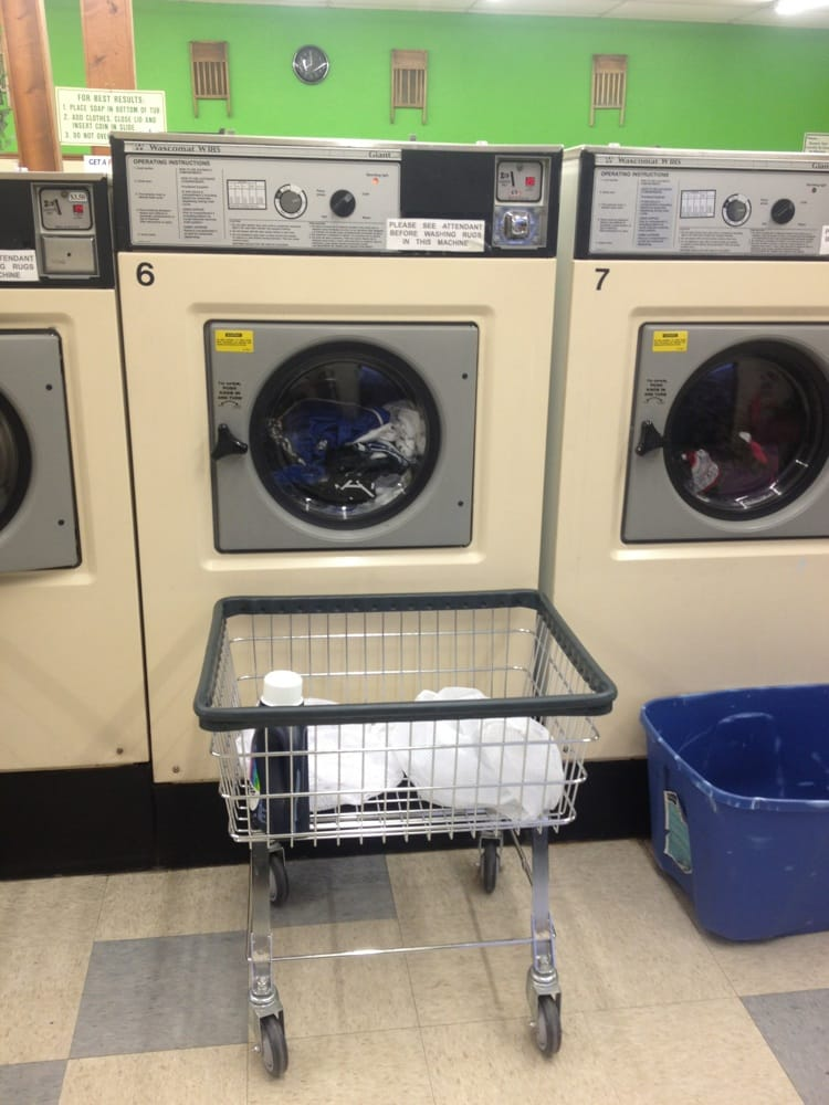 Holland Laundry: 841 S McCord Rd, Holland, OH