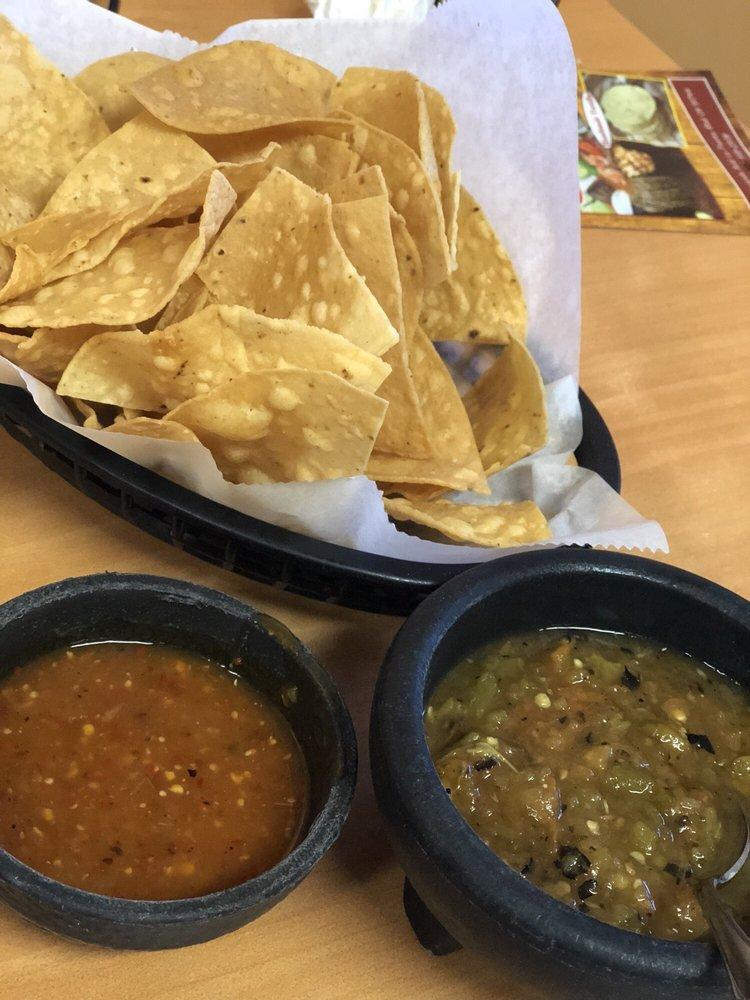 Villa Cariño Mexican Restaurant: 1066 N Hacienda Blvd, La Puente, CA