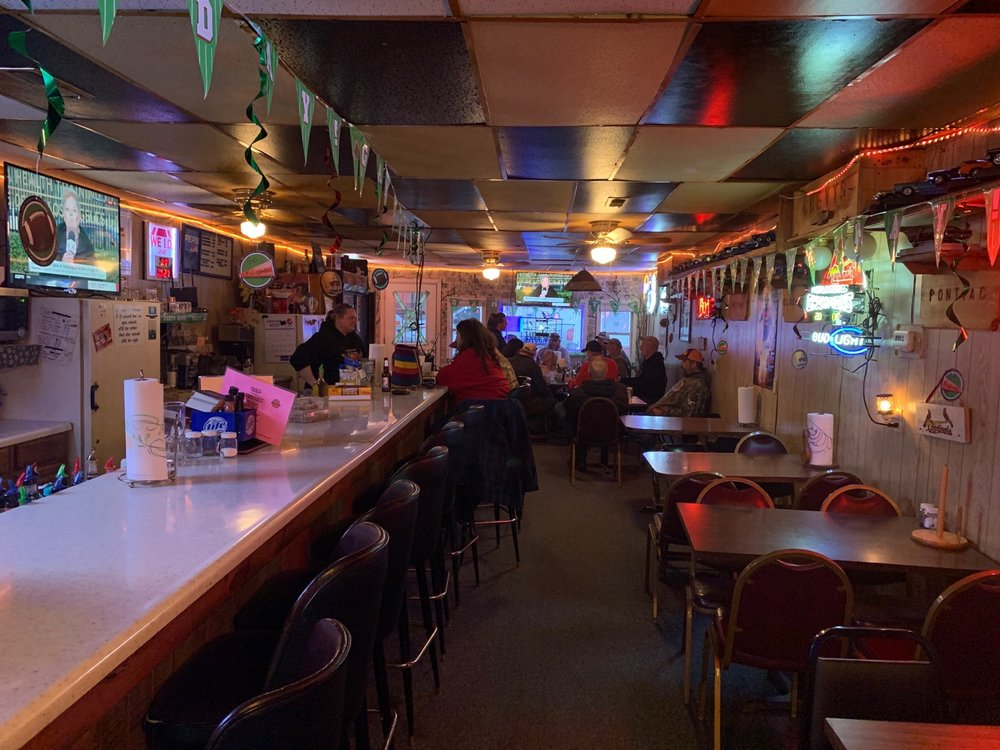 Chevy's Bar & Grill: 125 S Frankford Ave, Novinger, MO