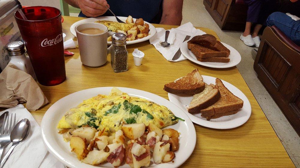 Grandpa's Diner: 7586 S US Highway 1, Port St Lucie, FL