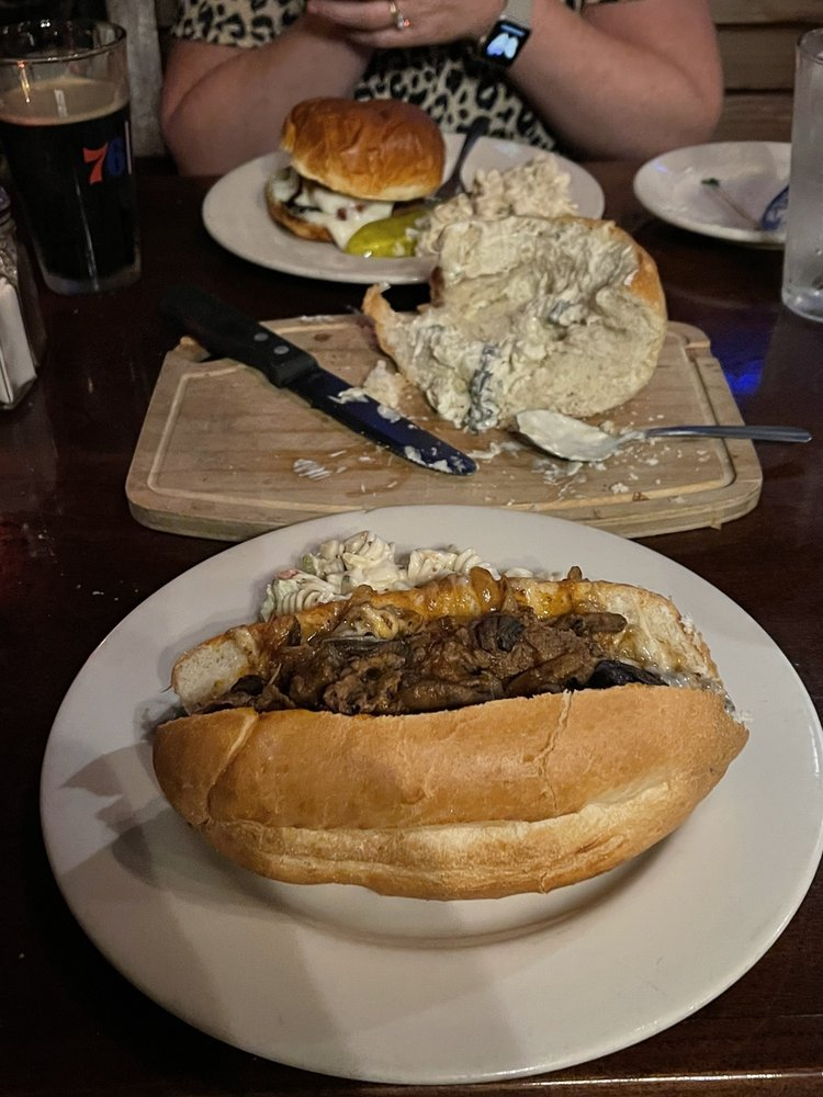 Porter's Pub & Restaurant: 700 Northampton St, Easton, PA