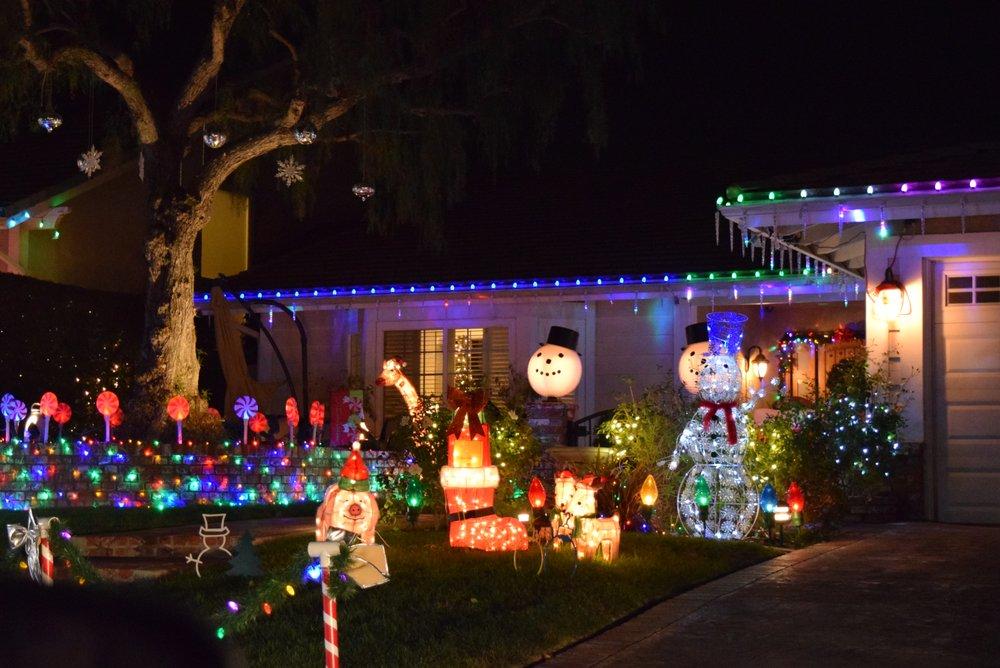 Brea Christmas Light Neighborhood: 2960-2970 Primrose Ave, Brea, CA