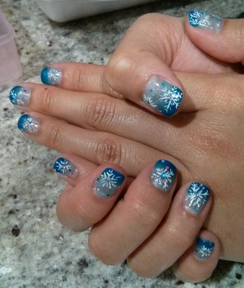 I am SO READY FOR CHRISTMAS!!! Gel manicure with Ombre design ...