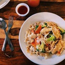 Photo Of Thep Thai Restaurant Fayetteville Ar United States Pad See Ewe