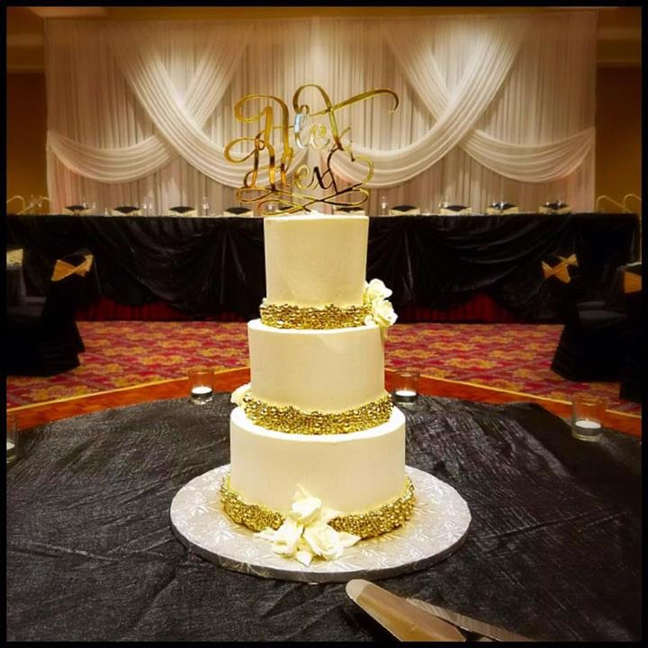 My wedding cake! Pistachio cake with white chocolate & fresh ...