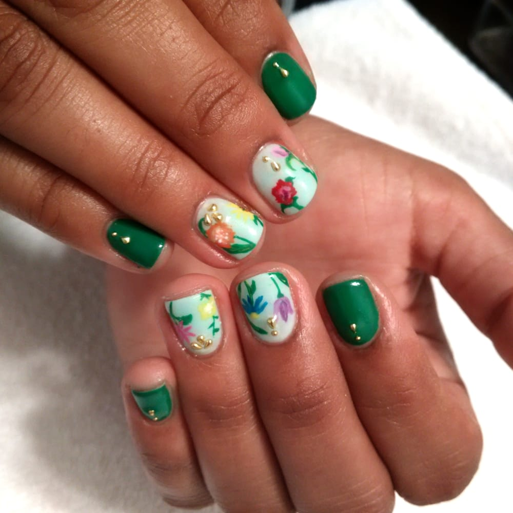 Accent nail art in gel on natural nail - Yelp