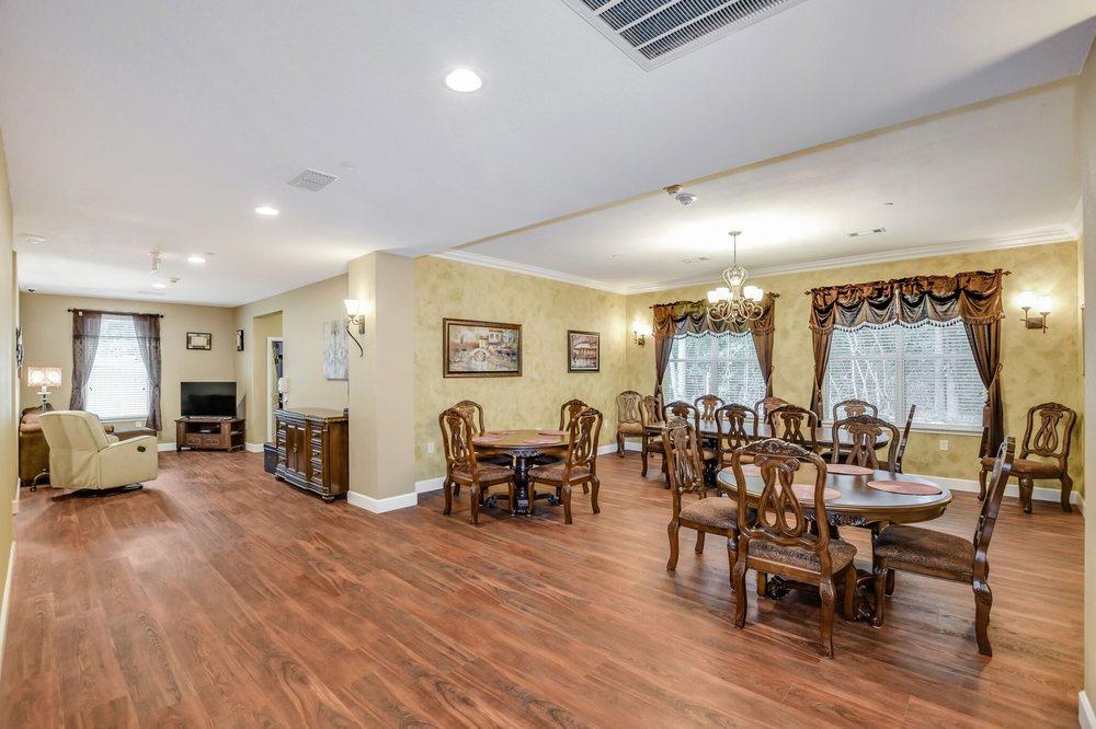 Countryside Manor: 15439 McRae Lake, Conroe, TX
