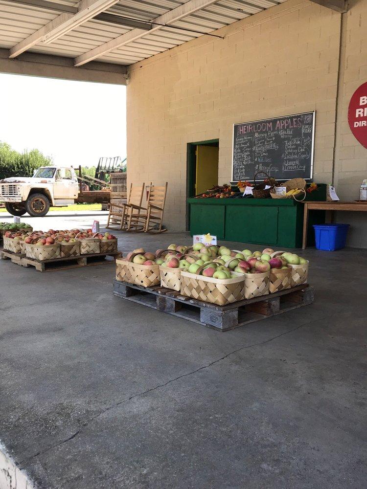 Freeman Orchards: 3016 Chimney Rock Rd, Hendersonville, NC