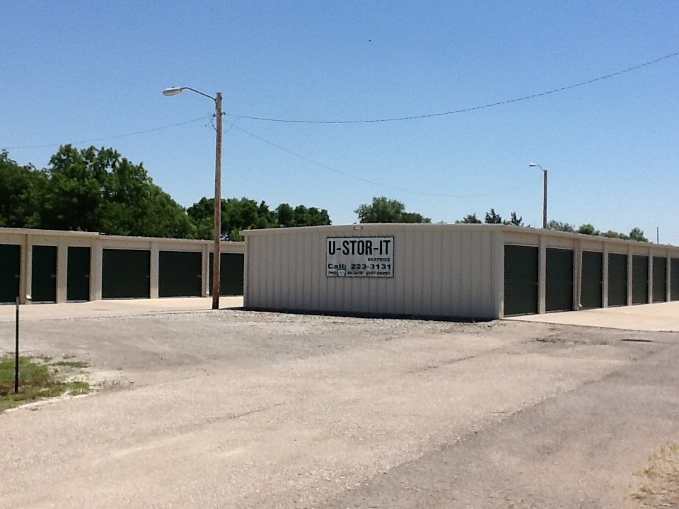 U-Haul Neighborhood Dealer: 1538 E Court St, Beatrice, NE