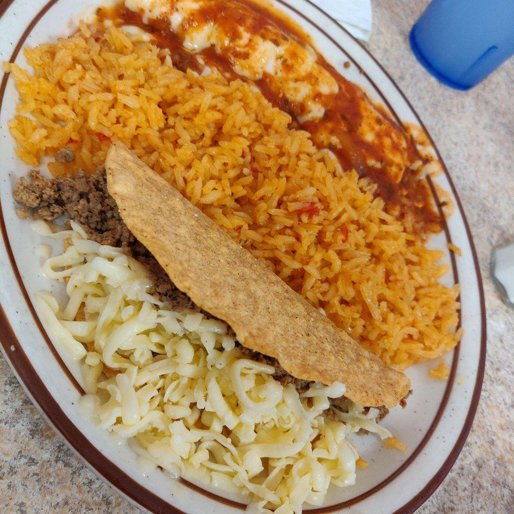 El Pueblito Mexican Restaurant: 1804 Main St, Parsons, KS