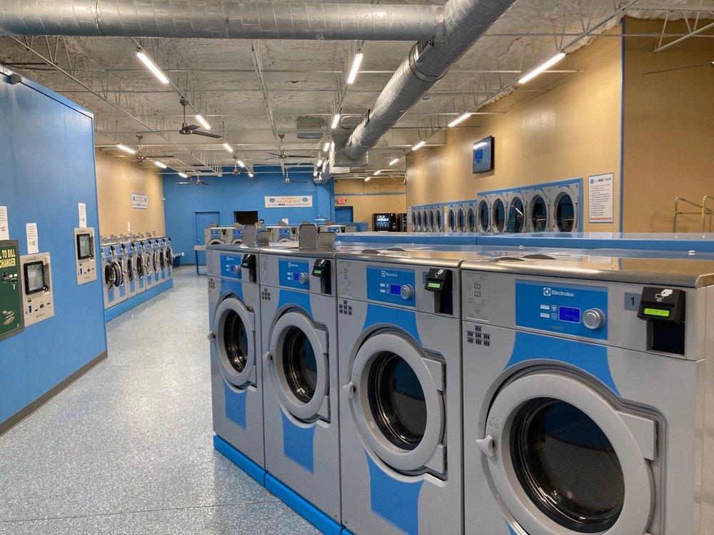 WaveMax Laundry: 2823 W Park Row Dr, Arlington, TX