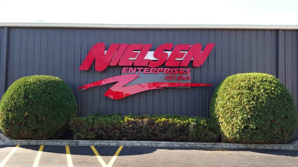 Nielsen Enterprises: 829 N Milwaukee Ave, Lake Villa, IL