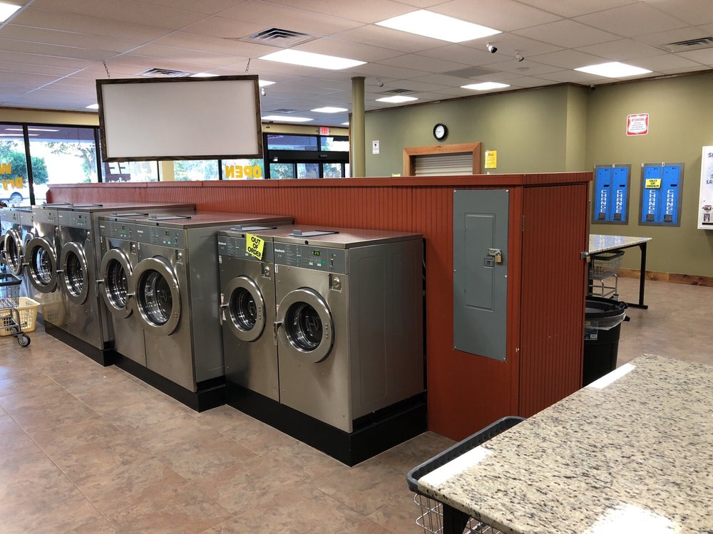 Spin City Laundry: 3533 N Lecanto Hwy, Beverly Hills, FL