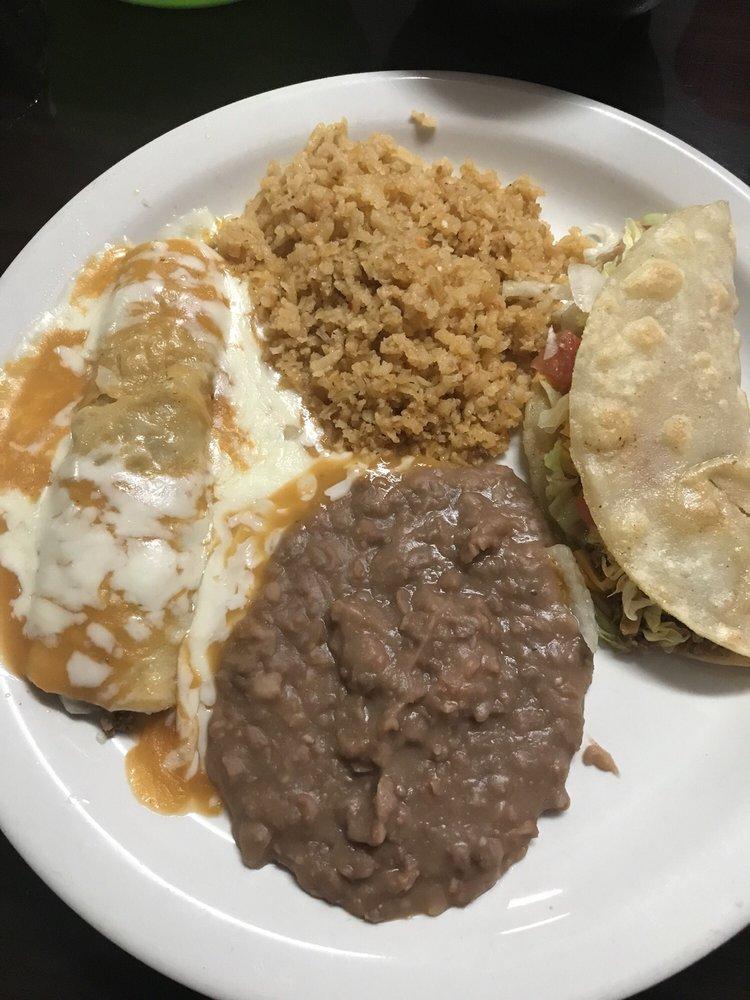 Ana's Mexican Restaurant: 5705 State Rd 674, Wimauma, FL
